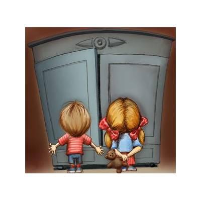 W tajemniczej starej szafie