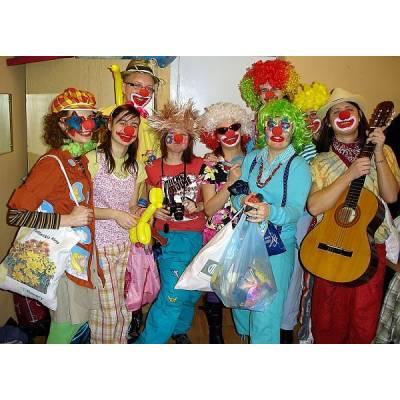 Doktor klaun! Terapia śmiechem, wolontariat, edukacja międzykulturowa