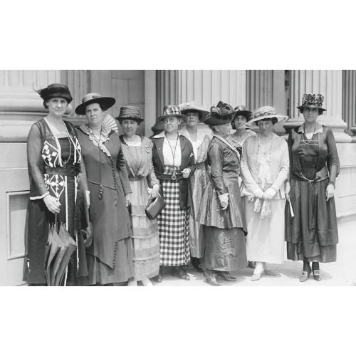 produkt - Edukacja kobiet, kobiety w edukacji. Szkice historyczno-pedagogiczne