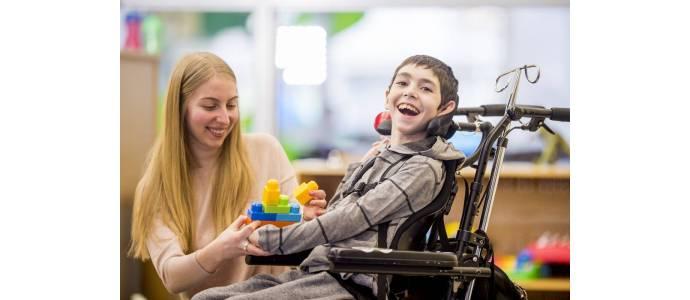 Jak powiększać swoje kompetencje pedagogiczne w kontaktach z osobami niepełnosprawnymi?